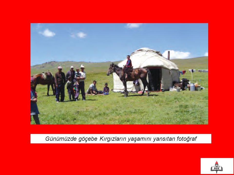 Günümüzde göçebe Kırgızların yaşamını yansıtan fotoğraf