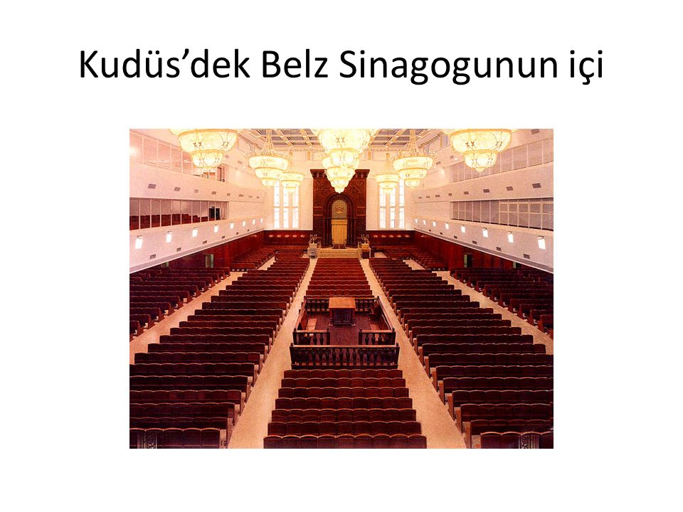 Kudüs'dek Belz Sinagogunun içi