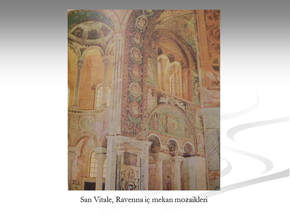 San Vitale, Ravenna iç mekan mozaikleri
