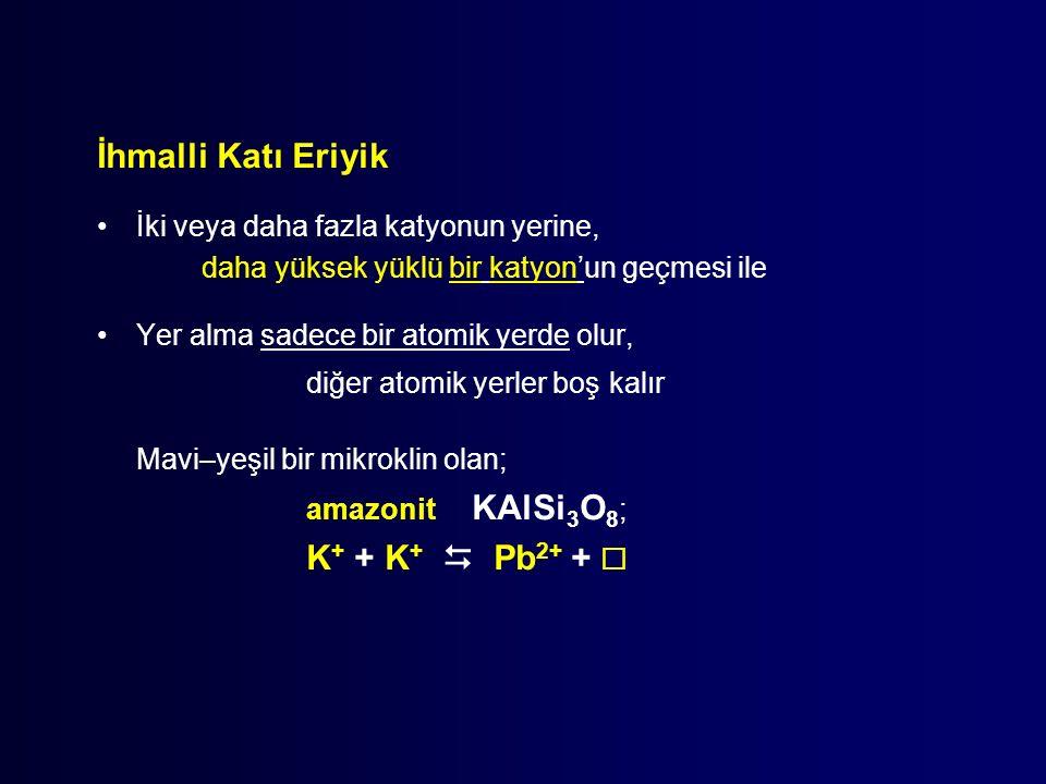 Mavi–yeşil bir mikroklin olan; K+ + K+  Pb2+ + 