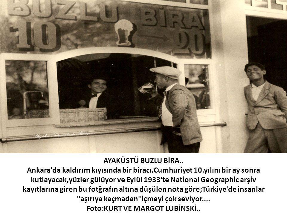 AYAKÜSTÜ BUZLU BİRA. Ankara da kaldırım kıyısında bir biracı