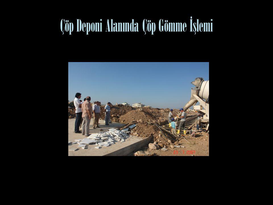 Çöp Deponi Alanında Çöp Gömme İşlemi