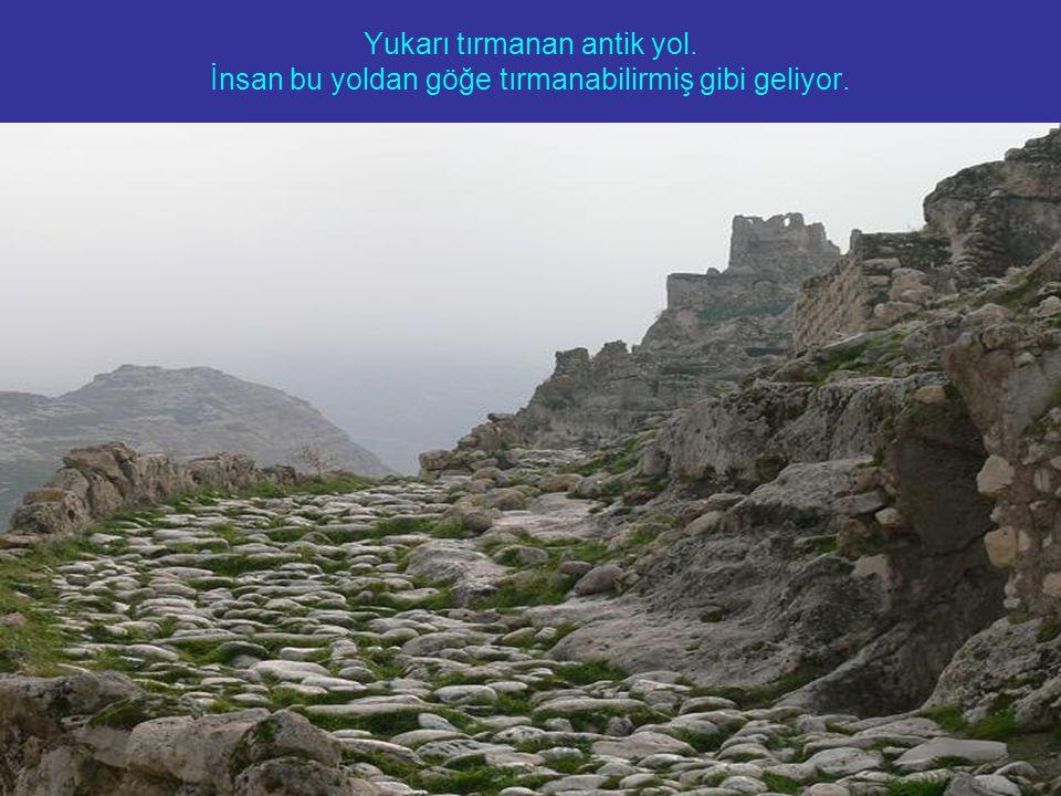Yukarı tırmanan antik yol