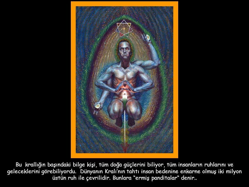Bu krallığın başındaki bilge kişi, tüm doğa güçlerini biliyor, tüm insanların ruhlarını ve geleceklerini görebiliyordu.
