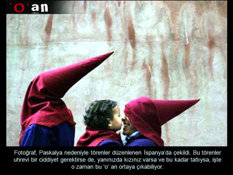 Fotoğraf, Paskalya nedeniyle törenler düzenlenen İspanya'da çekildi