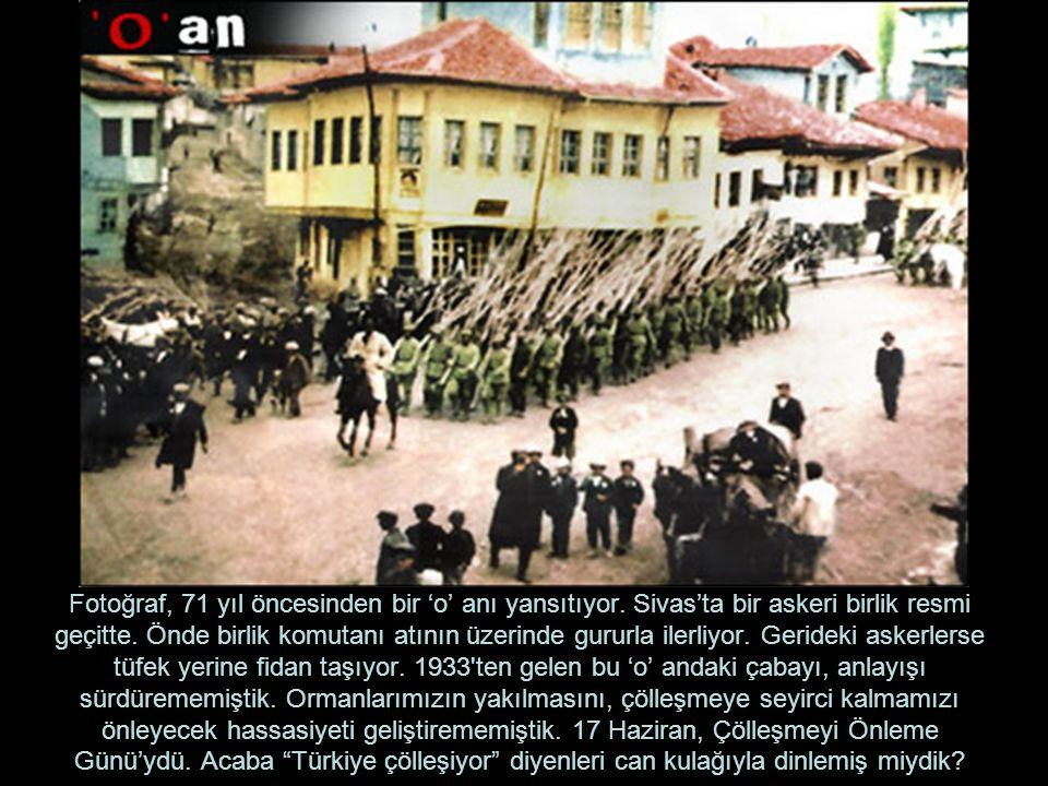 Fotoğraf, 71 yıl öncesinden bir 'o' anı yansıtıyor