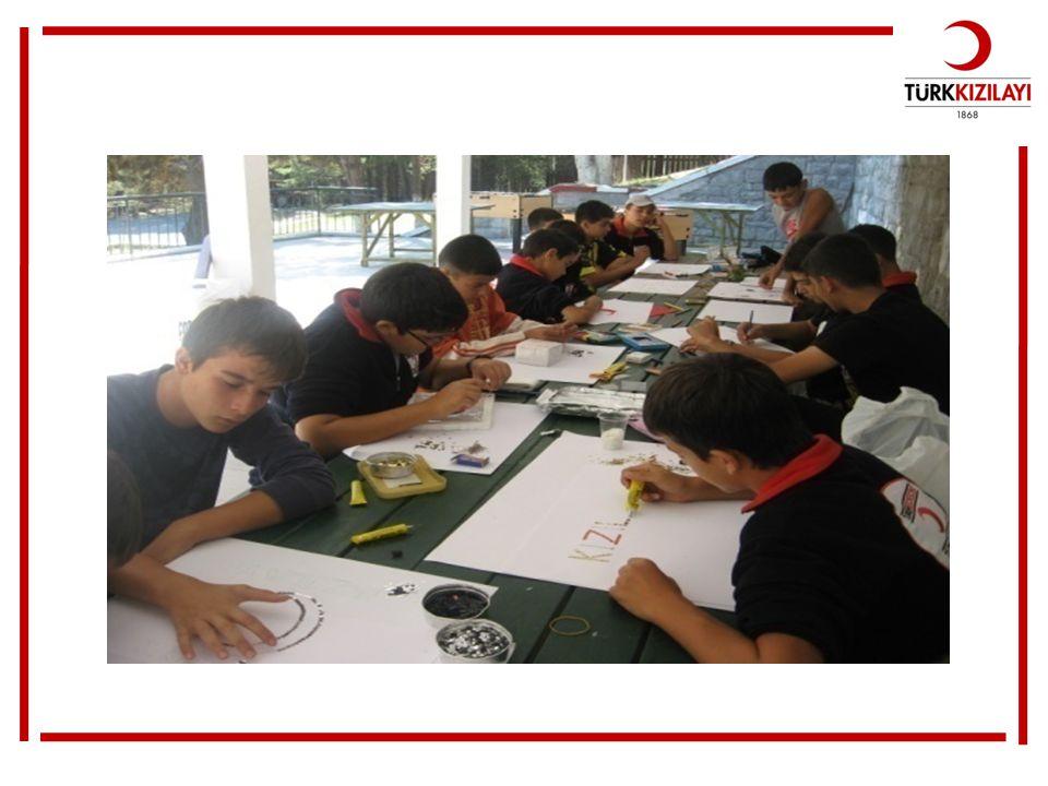 Gençlik kampındaki öğrencilerin yaptığı çalışmalardan bir görünüm daha