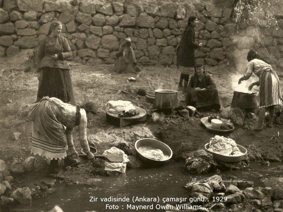 Zir vadisinde (Ankara) çamaşır günü.. 1929