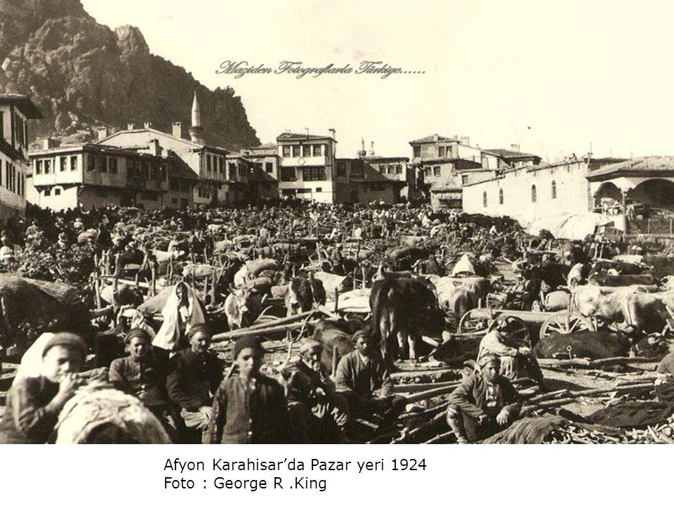 Afyon Karahisar'da Pazar yeri 1924