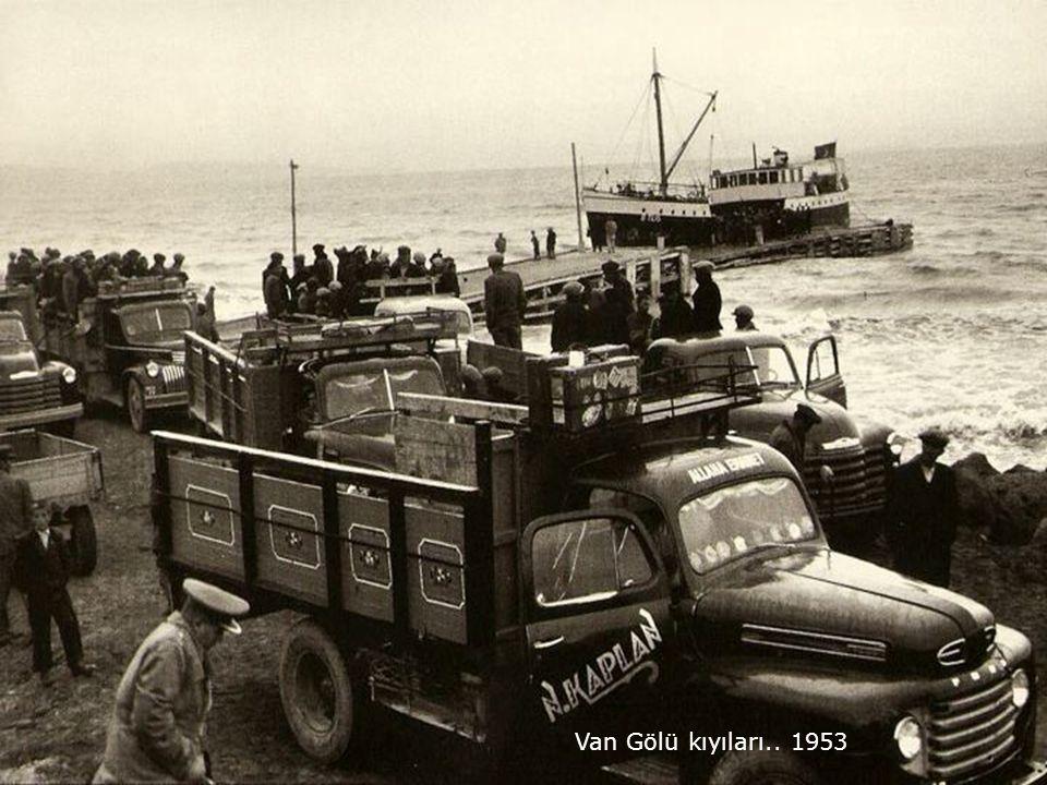 Van Gölü kıyıları.. 1953