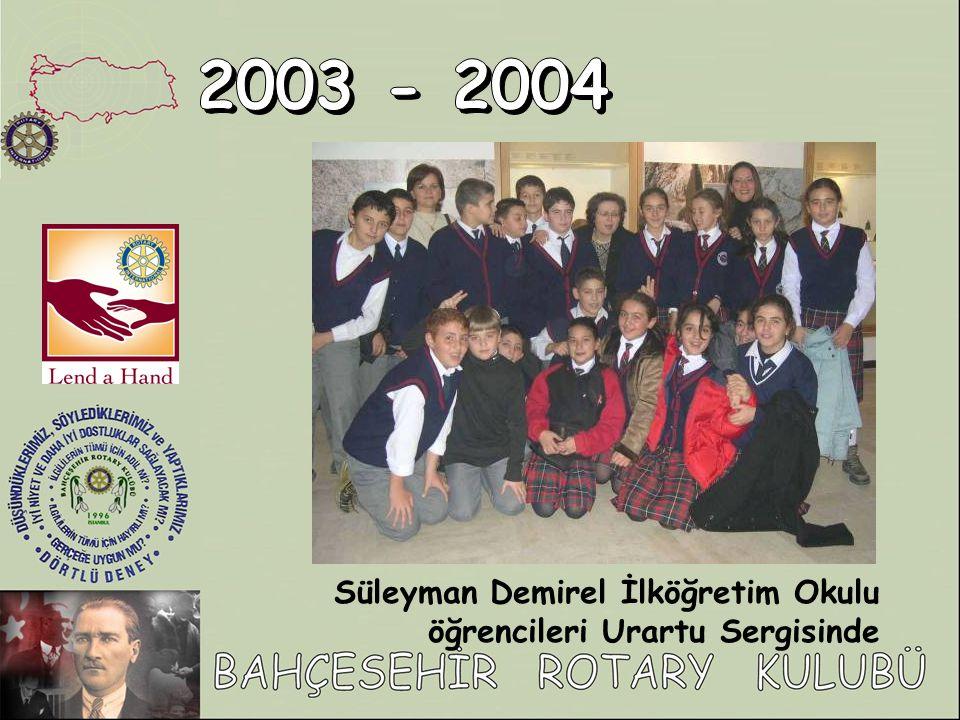 2003 - 2004 Süleyman Demirel İlköğretim Okulu öğrencileri Urartu Sergisinde