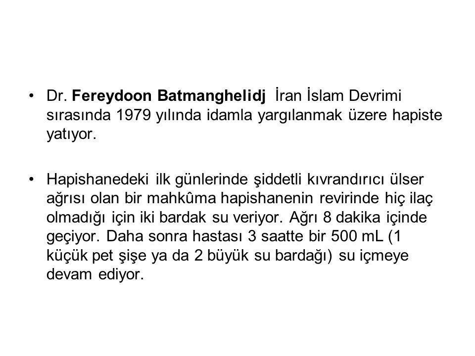 Dr. Fereydoon Batmanghelidj İran İslam Devrimi sırasında 1979 yılında idamla yargılanmak üzere hapiste yatıyor.