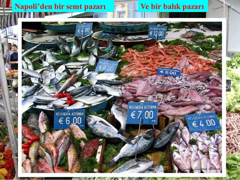 Napoli'den bir semt pazarı