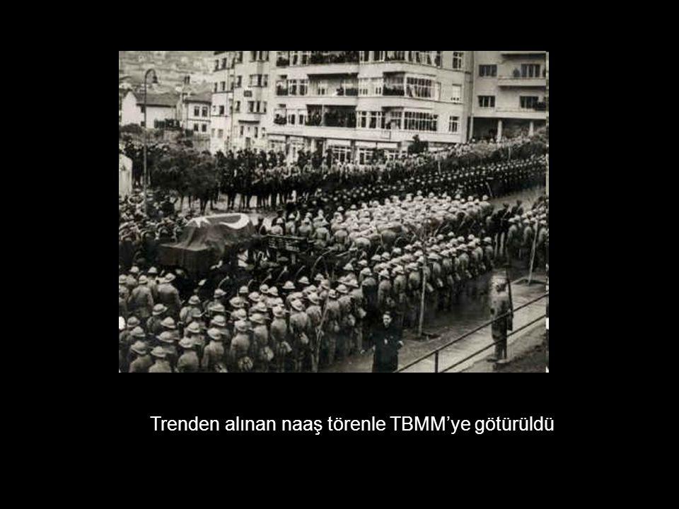 Trenden alınan naaş törenle TBMM'ye götürüldü