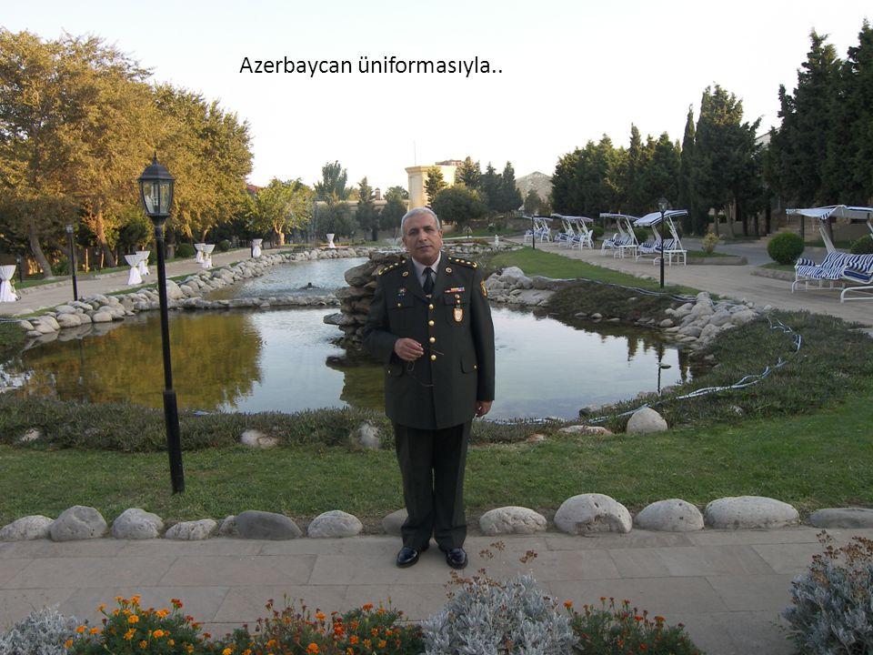 Azerbaycan üniformasıyla..