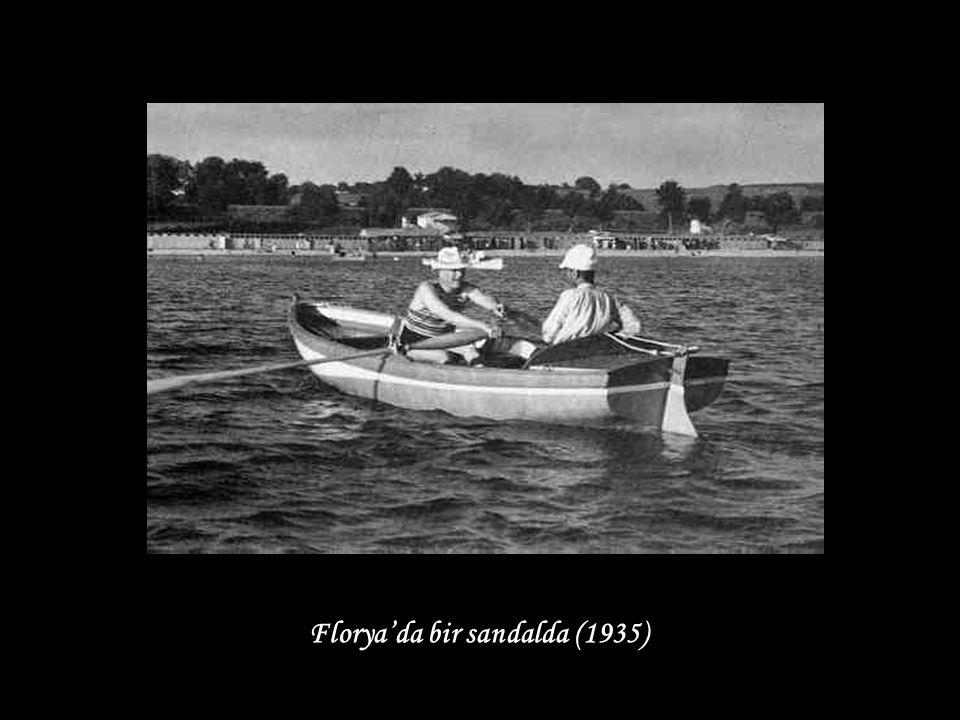 Florya'da bir sandalda (1935)
