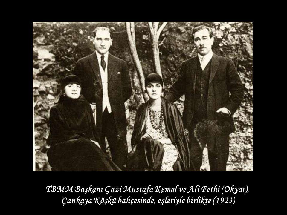 TBMM Başkanı Gazi Mustafa Kemal ve Ali Fethi (Okyar),