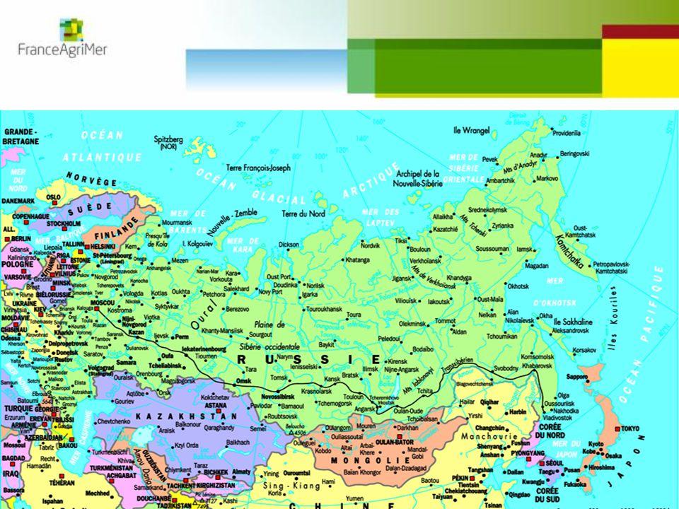 Rusya'nın kuzeyinden geçerek; örneğin eylül 2011 tarihinde Danimarka mineral gemisi Nordic Barents; Norveç'ten Çin'e 40 Kt demir cevherini taşırken 8 gün ve 5 000 km daha az yol katedebilir. Böylece Hint okyanusundan geçişteki korsan tehlikesi de ortadan kalkmış olacaktır. (Kaynak Cyclope 2011)