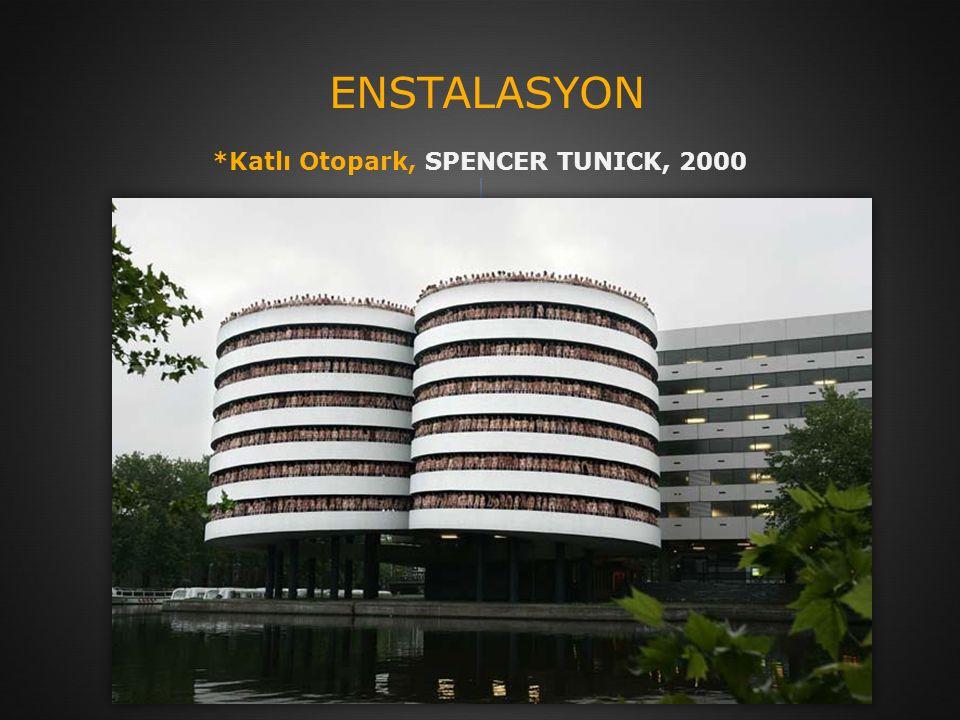 *Katlı Otopark, SPENCER TUNICK, 2000