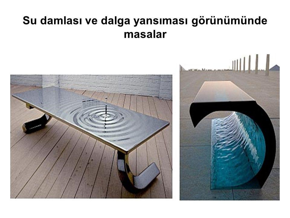 Su damlası ve dalga yansıması görünümünde masalar