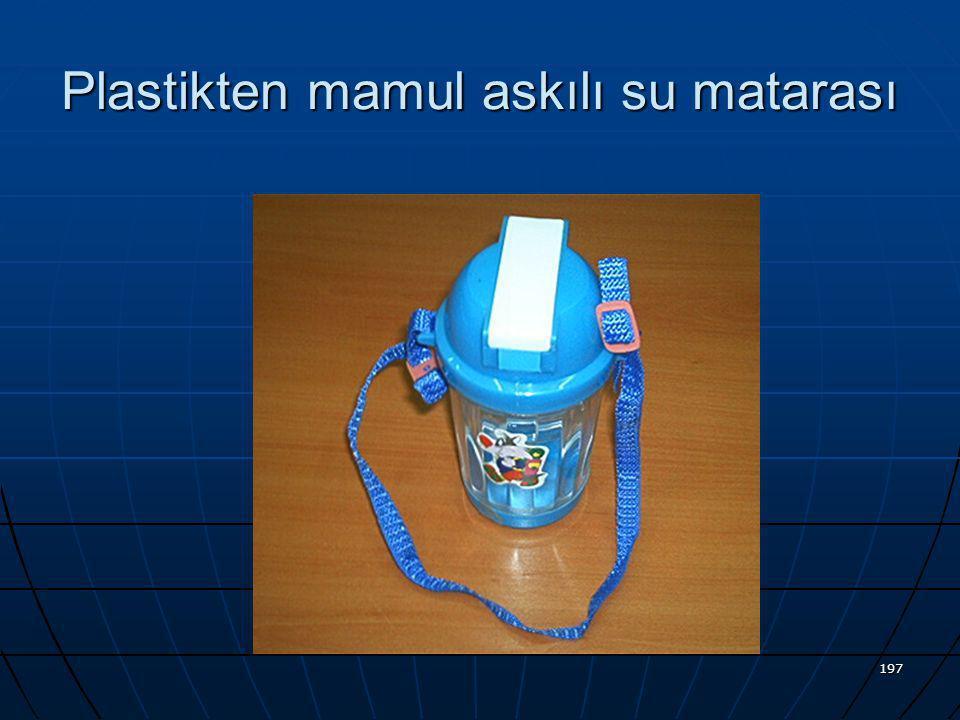 Plastikten mamul askılı su matarası