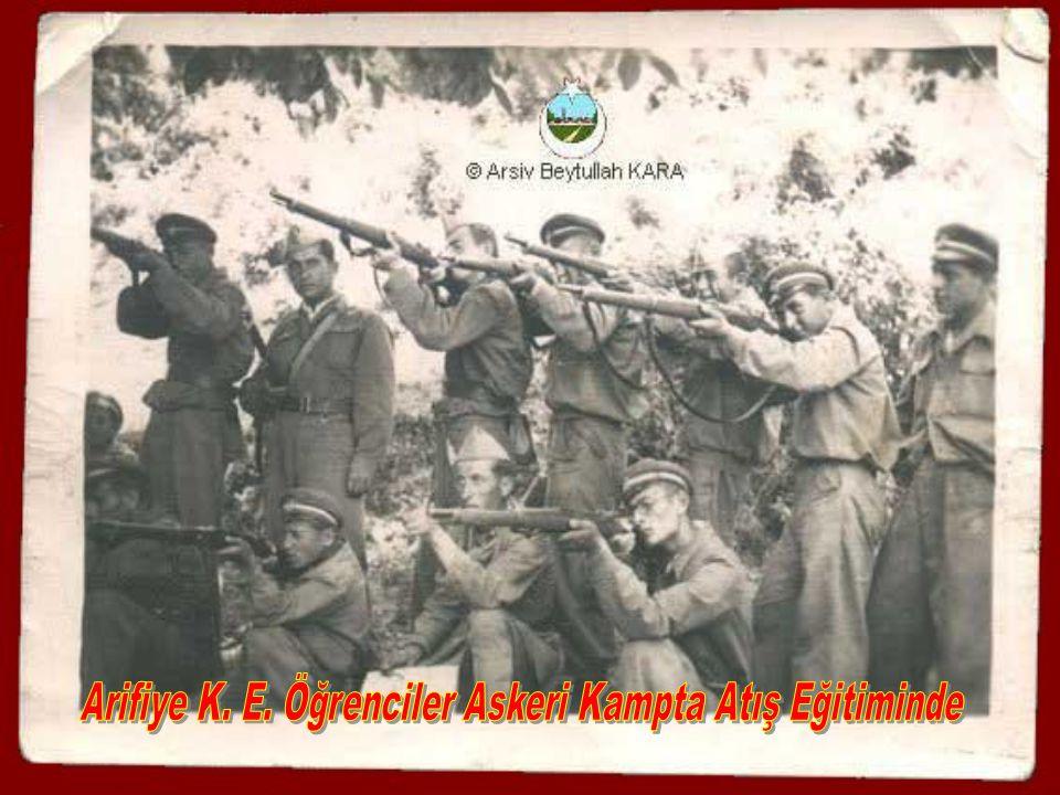 Arifiye K. E. Öğrenciler Askeri Kampta Atış Eğitiminde