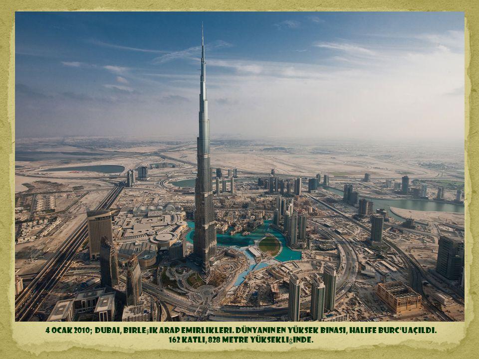 162 katlı, 828 metre yüksekliğinde.