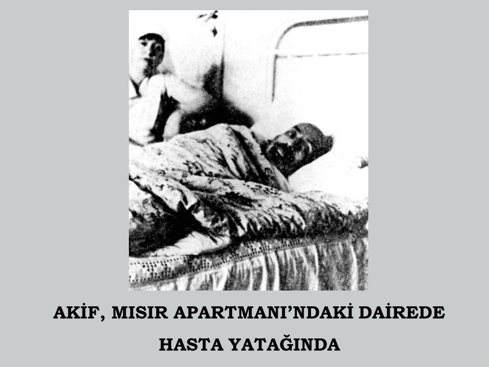 AKİF, MISIR APARTMANI'NDAKİ DAİREDE