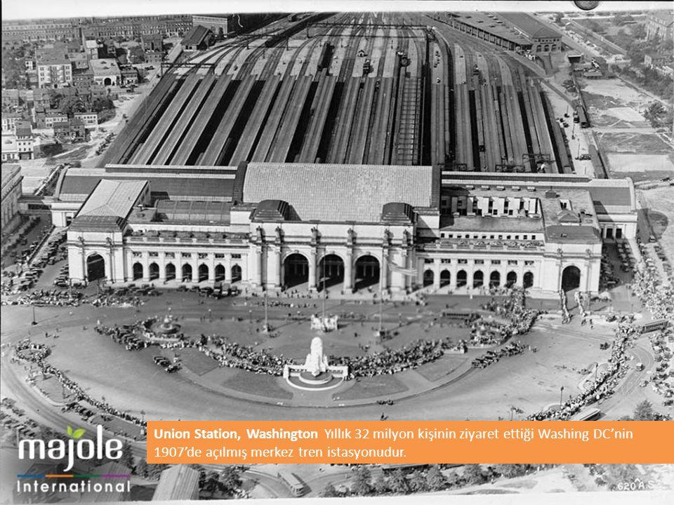 Union Station, Washington Yıllık 32 milyon kişinin ziyaret ettiği Washing DC'nin 1907'de açılmış merkez tren istasyonudur.