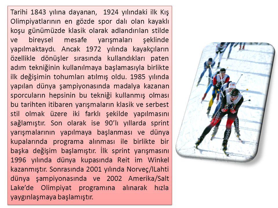 Tarihi 1843 yılına dayanan, 1924 yılındaki ilk Kış Olimpiyatlarının en gözde spor dalı olan kayaklı koşu günümüzde klasik olarak adlandırılan stilde ve bireysel mesafe yarışmaları şeklinde yapılmaktaydı.
