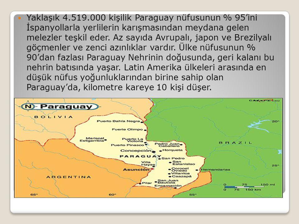 Yaklaşık 4.519.000 kişilik Paraguay nüfusunun % 95'ini İspanyollarla yerlilerin karışmasından meydana gelen melezler teşkil eder.