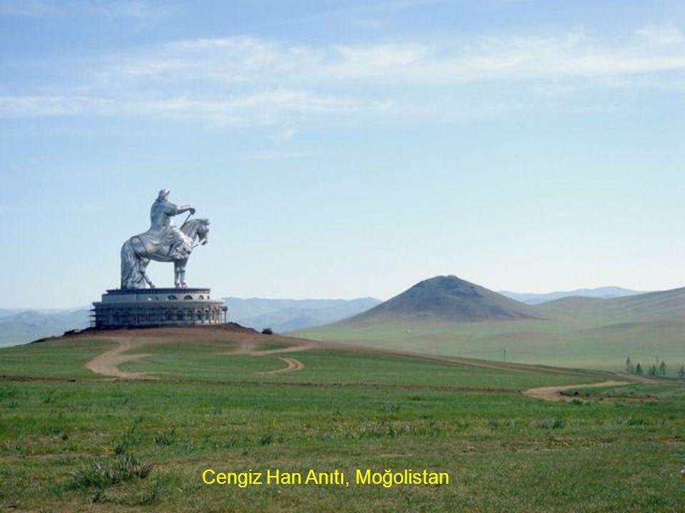 Cengiz Han Anıtı, Moğolistan