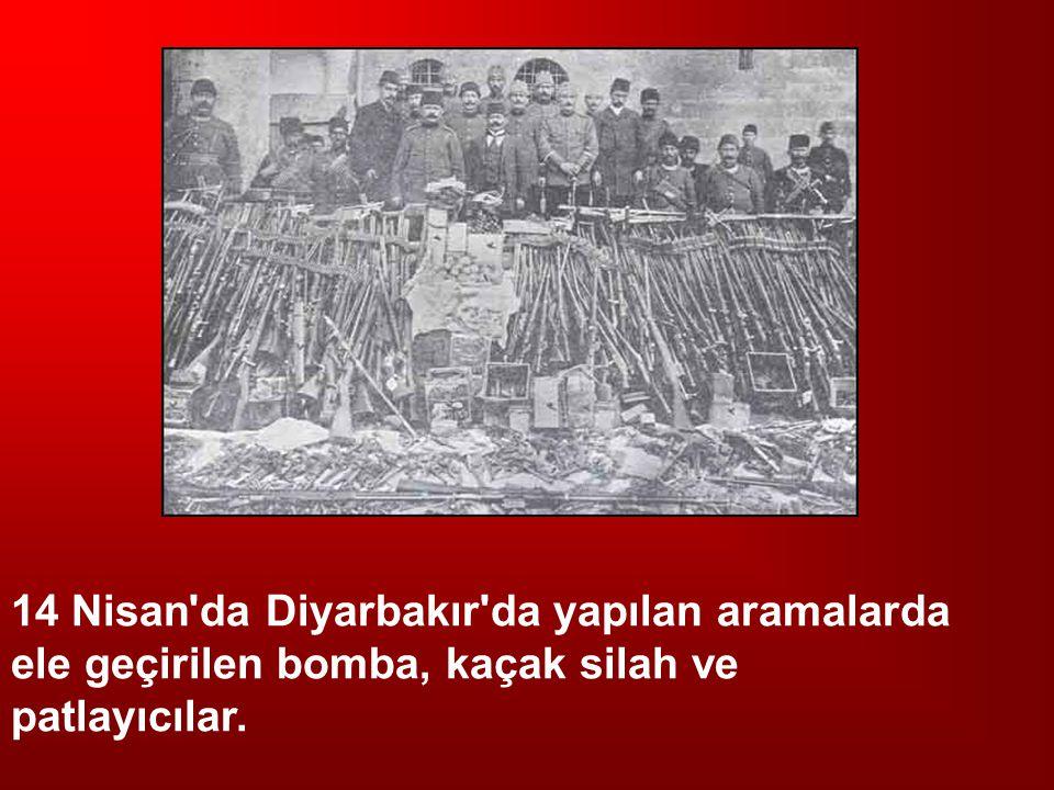 14 Nisan da Diyarbakır da yapılan aramalarda ele geçirilen bomba, kaçak silah ve patlayıcılar.