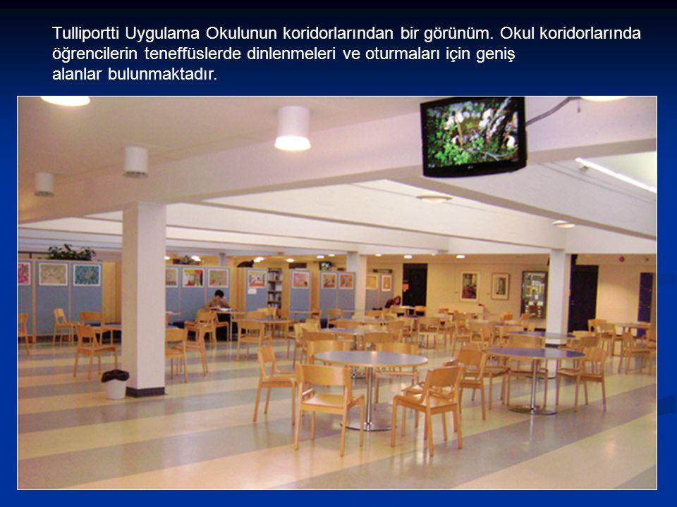 Tulliportti Uygulama Okulunun koridorlarından bir görünüm