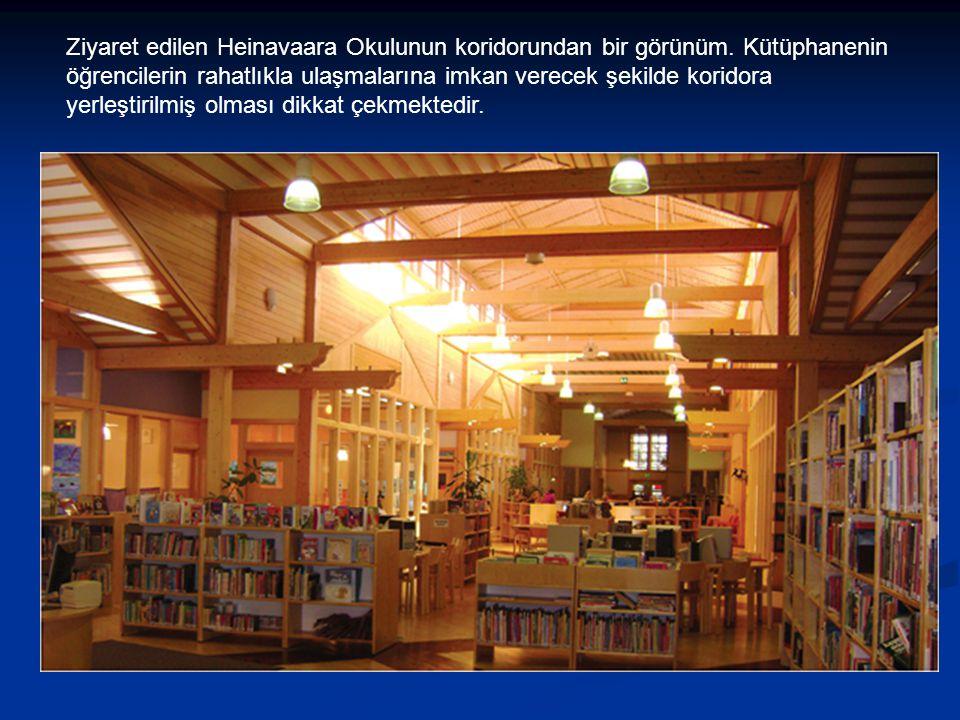 Ziyaret edilen Heinavaara Okulunun koridorundan bir görünüm