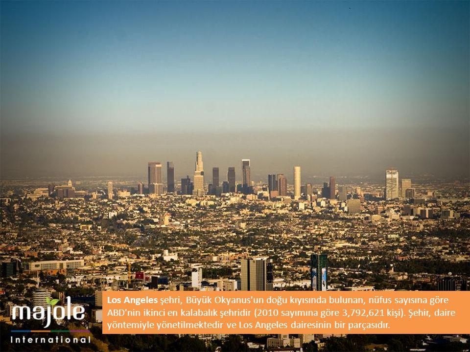 Los Angeles şehri, Büyük Okyanus un doğu kıyısında bulunan, nüfus sayısına göre ABD nin ikinci en kalabalık şehridir (2010 sayımına göre 3,792,621 kişi).