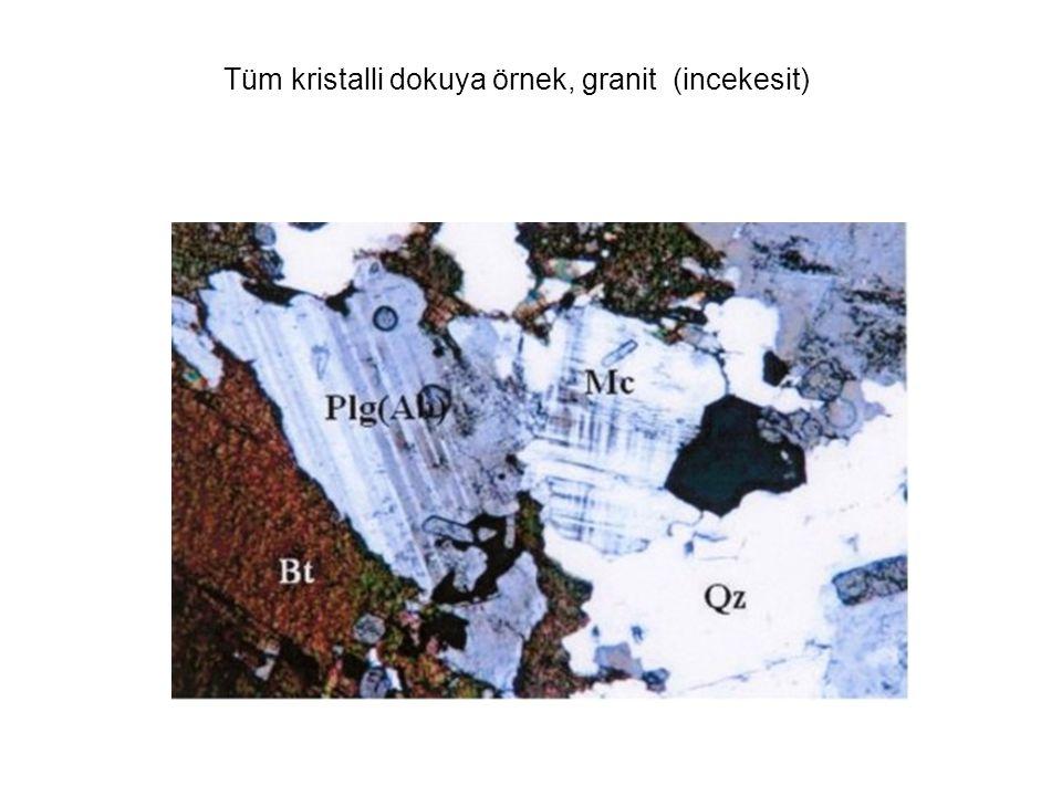 Tüm kristalli dokuya örnek, granit (incekesit)