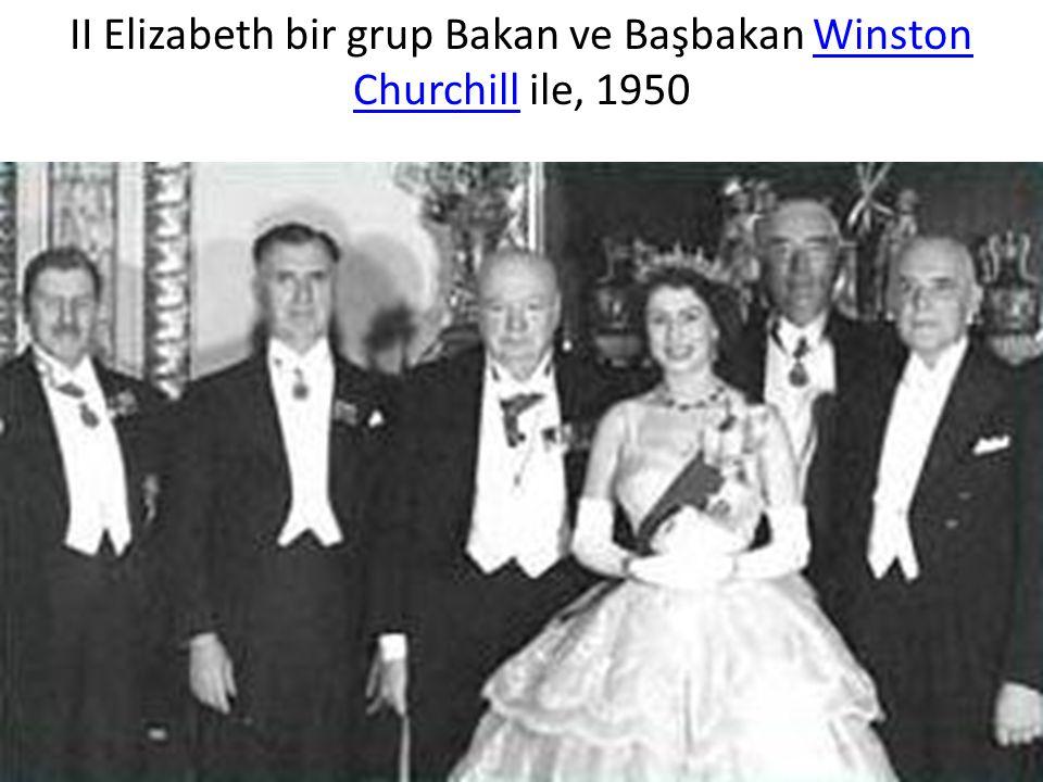 ІІ Elizabeth bir grup Bakan ve Başbakan Winston Churchill ile, 1950