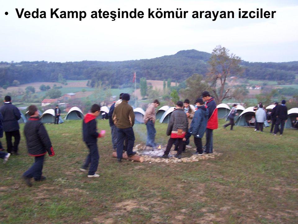 Veda Kamp ateşinde kömür arayan izciler