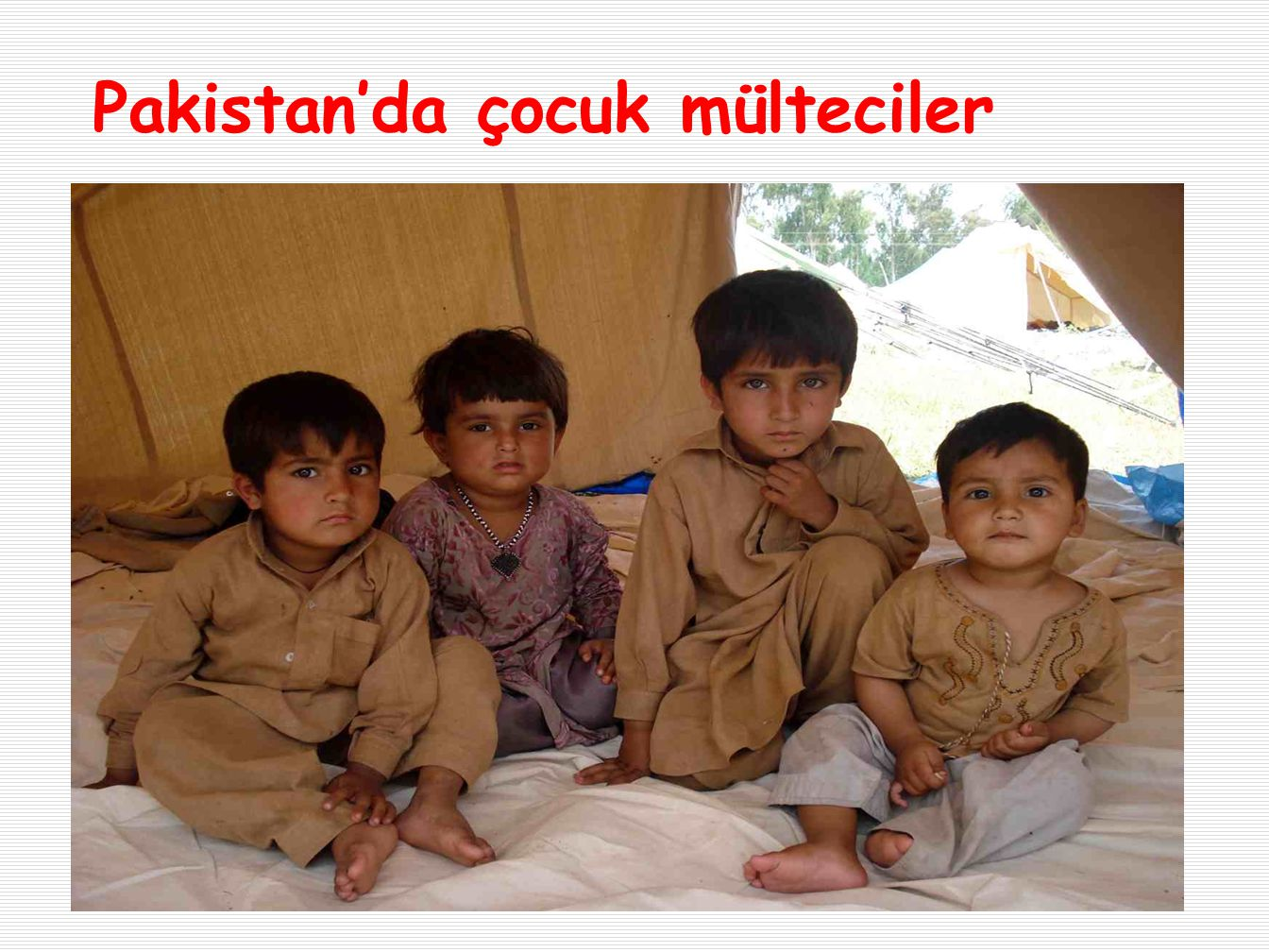 Pakistan'da çocuk mülteciler