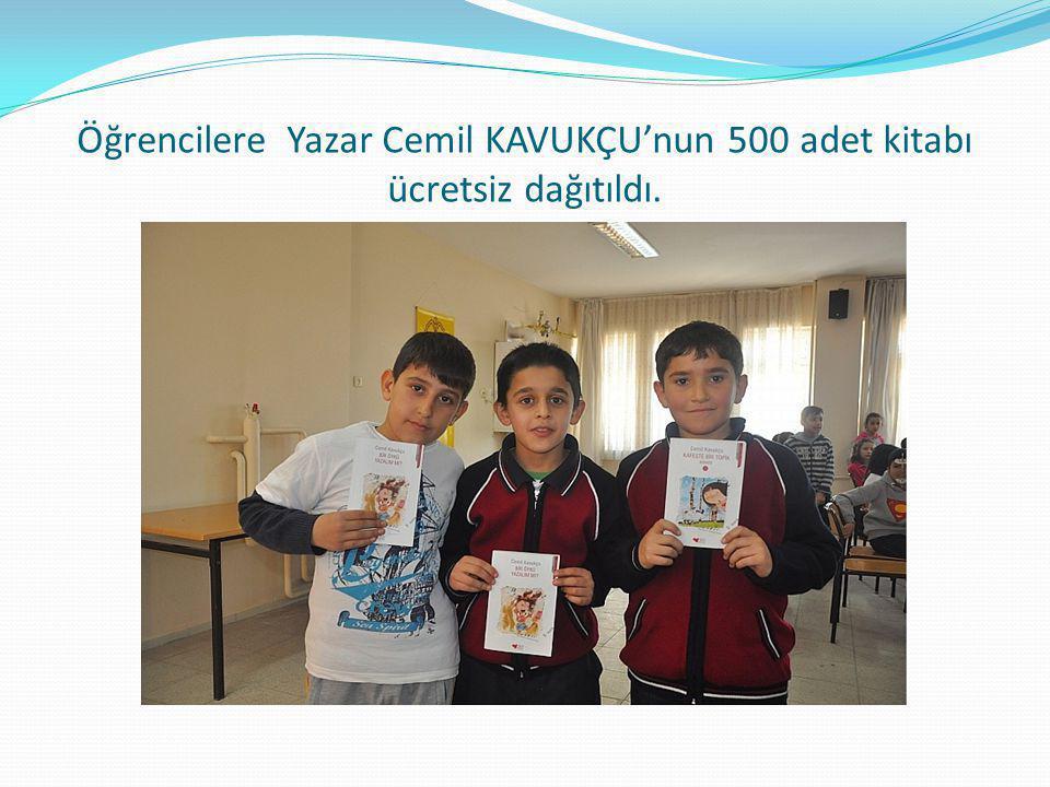 Öğrencilere Yazar Cemil KAVUKÇU'nun 500 adet kitabı ücretsiz dağıtıldı.