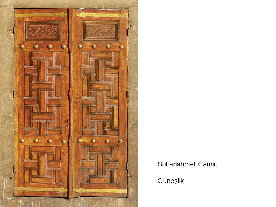 Sultanahmet Camii, Güneşlik