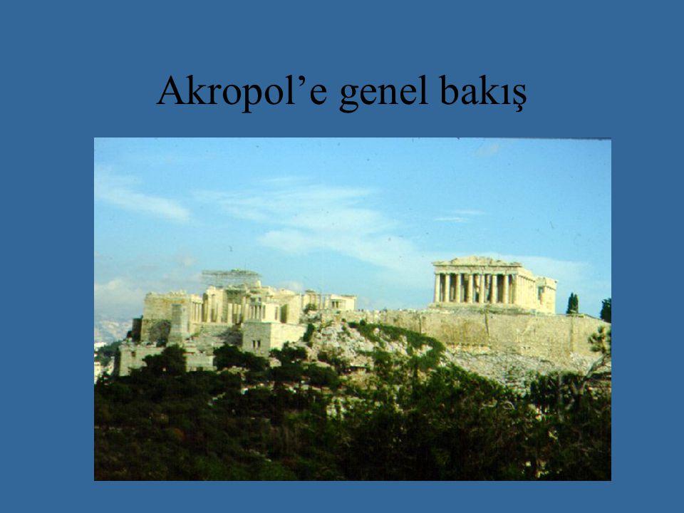 Akropol'e genel bakış
