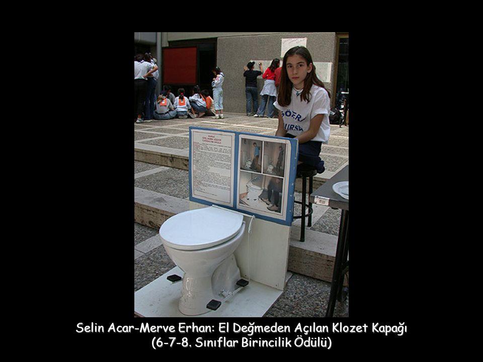 Selin Acar-Merve Erhan: El Değmeden Açılan Klozet Kapağı