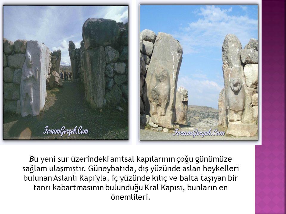 Bu yeni sur üzerindeki anıtsal kapılarının çoğu günümüze sağlam ulaşmıştır.