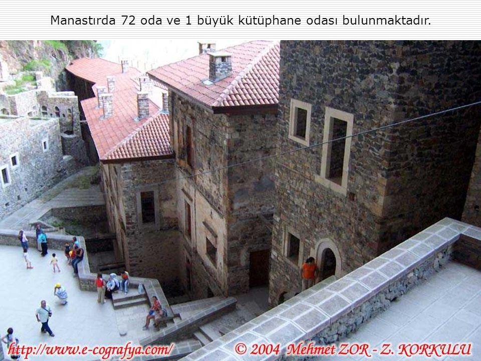 Manastırda 72 oda ve 1 büyük kütüphane odası bulunmaktadır.