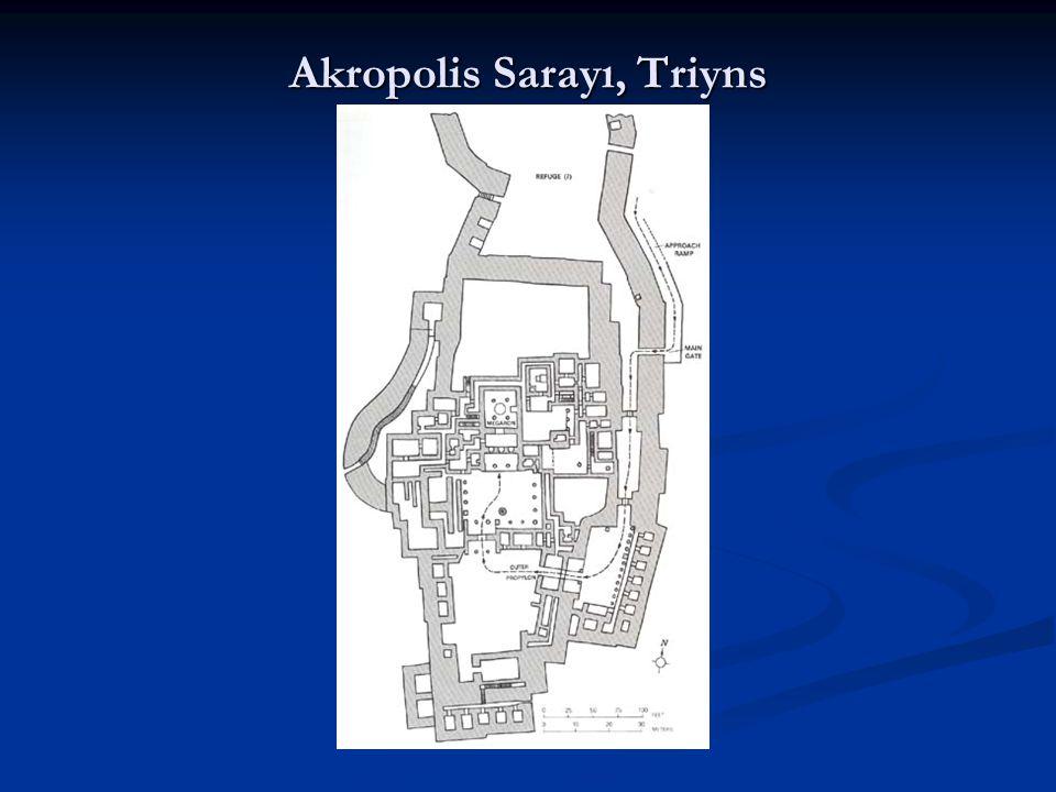 Akropolis Sarayı, Triyns