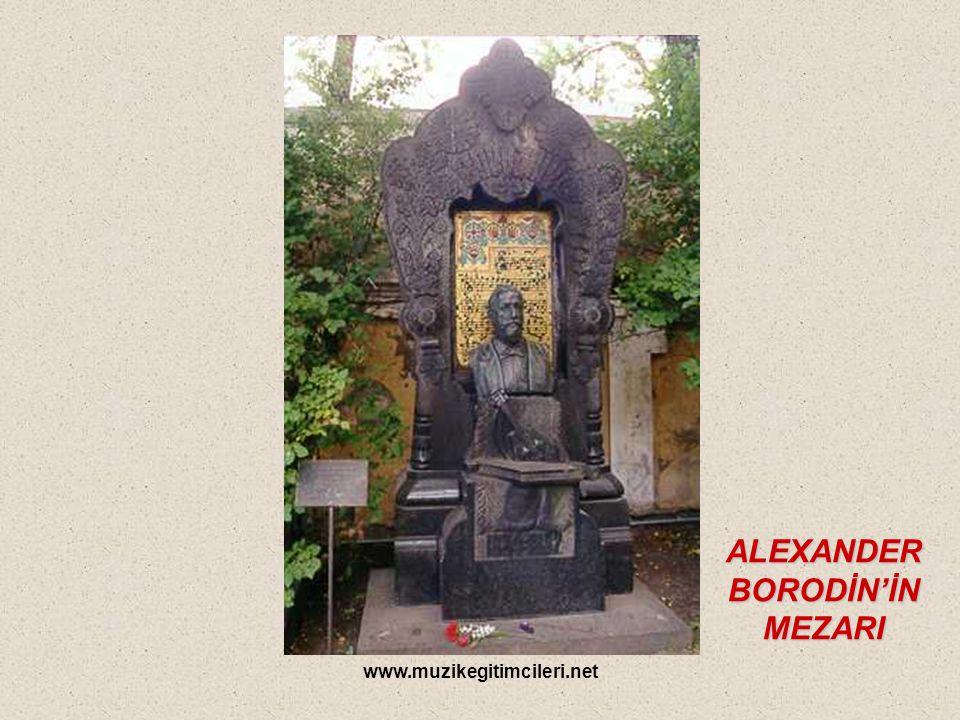 ALEXANDER BORODİN'İN MEZARI