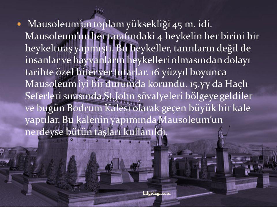 Mausoleum'un toplam yüksekliği 45 m. idi