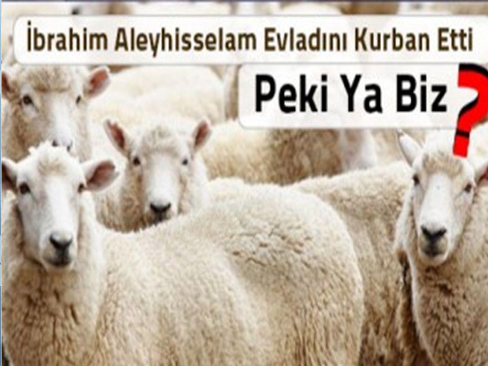 Kurban kesen kişi, Hz. İbrahim ve oğlu İsmail arasında geçen o olayı yeniden yaşamaktadır.